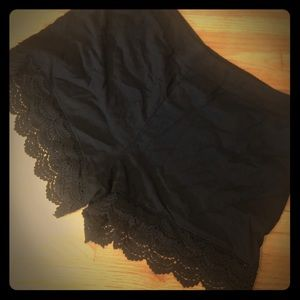 Black cotton shorts with Woven trim